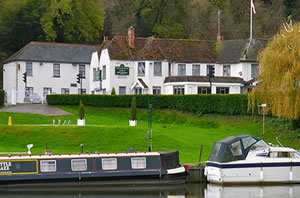 2 Nights for the Price of 1 at Shillingford Bridge Image
